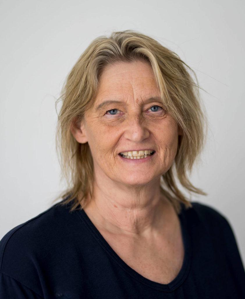 Portraitfoto-Teamseite-Sabine Honsowitz-Lenz