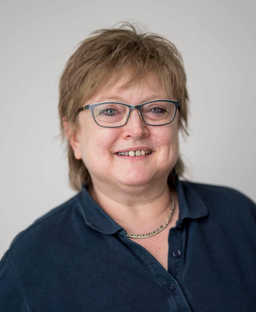 Portraitfoto-Teamseite-Anja Helduser-Schneider